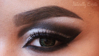 How to create a cut crease eye makeup look. Black And White Cut Crease - Step 7