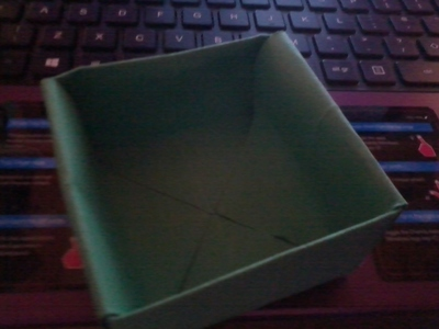 How to fold an origami box. Origami Boxes - Step 5