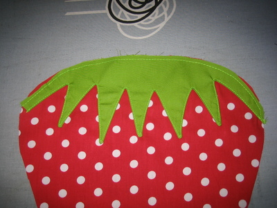 How to make a shaped cushion. Strawberry Grain Pillow - Step 5