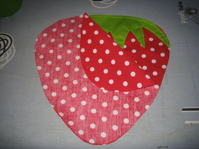 How to make a shaped cushion. Strawberry Grain Pillow - Step 6