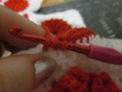 How to make a knit or crochet tote. Granny Square Handbag ( Sewing Your Granny Sqares Together) - Step 9