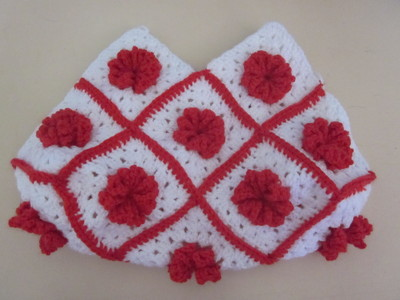 How to make a knit or crochet tote. Granny Square Handbag ( Sewing Your Granny Sqares Together) - Step 21