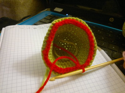 How to make a reptile plushie. Om Nom Crochet Pattern - Step 6