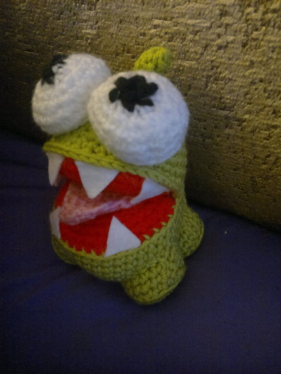 How to make a reptile plushie. Om Nom Crochet Pattern - Step 16