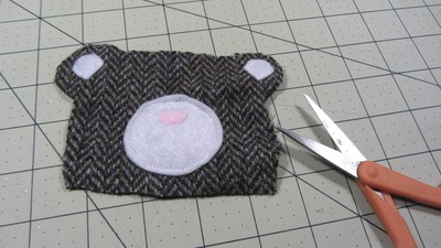 How to sew a fabric animal pouch. Bear Coin Purse - Step 4