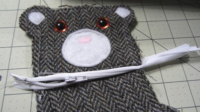 How to sew a fabric animal pouch. Bear Coin Purse - Step 12
