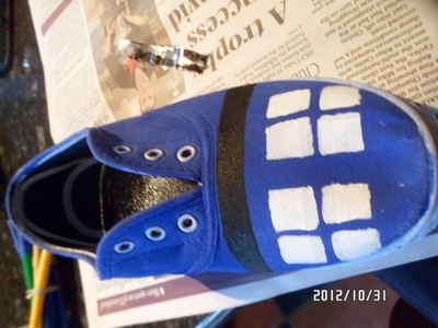 How to paint a pair of character shoes. Doctor Who Shoes - Step 3