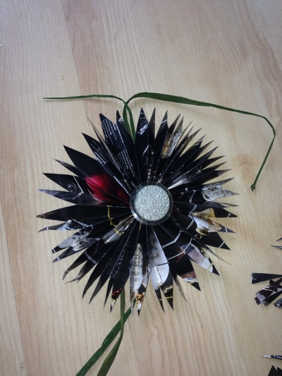 How to create art / a model. Restoration Hardware Or Other Catalogs ~ Stars ~ Holiday Decorations Or Use As Bows - Step 13