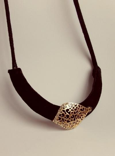How to make a necklace. Golden Leaf Necklace - Step 4