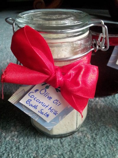 How to make a gift basket. Gift Basket - Step 3
