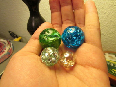 """How to make a marble necklace. """"Cracked"""" Marble Necklace Pendants  - Step 2"""