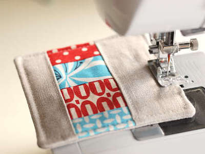 How to sew a fabric coaster. Fair And Square Patchwork Coasters - Step 20