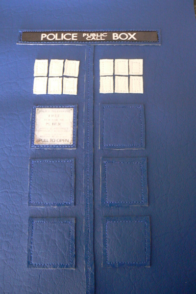 How to make a tablet sleeve. Tardis Kindle Cover - Step 6