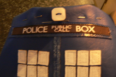 How to make a tablet sleeve. Tardis Kindle Cover - Step 10