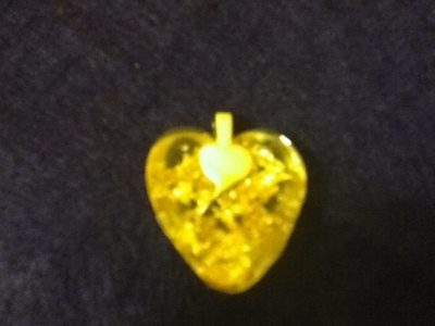 How to make a resin pendant. Heart Of Gold Resin Keychain Pendant Or Pin - Step 14