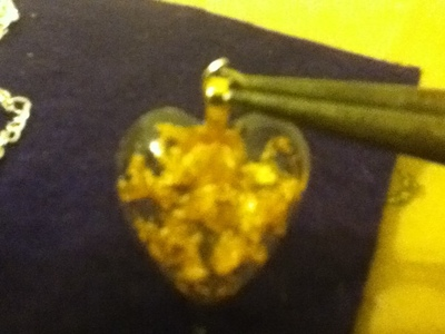How to make a resin pendant. Heart Of Gold Resin Keychain Pendant Or Pin - Step 16