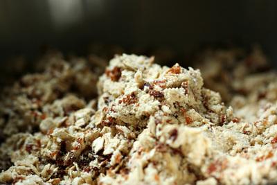 How to bake a granola bar. Oatmeal Coconut Raspberry Bars - Step 3