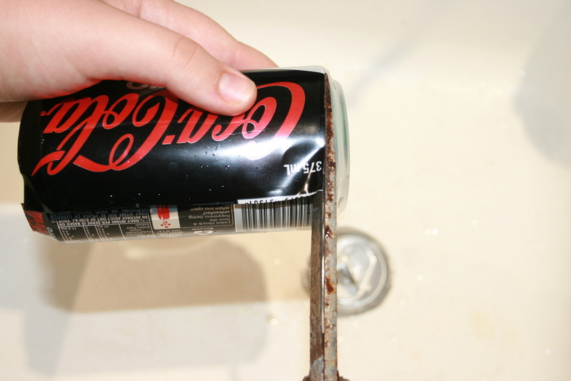 how to cut the top off a soda can