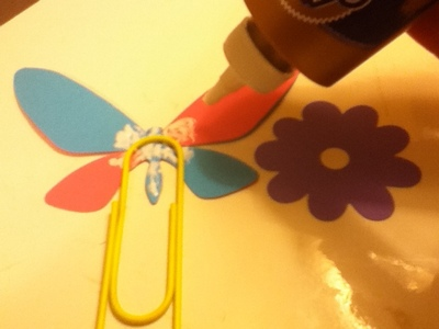 How to make a paperclip. Embellished Giant Paperclips - Step 9