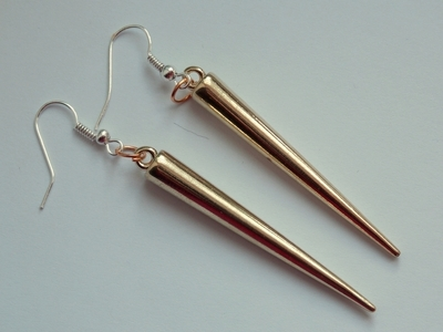 How to make a set of paper earrings. Golden Spike Earrings - Step 2