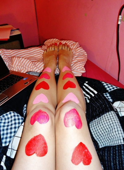 How to make a pair of tights / pantyhose. Simple Heart Legs - Step 1