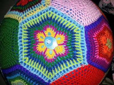 How to make a plushie toy. Amazeballs   Crochet Yoga Balls - Step 4
