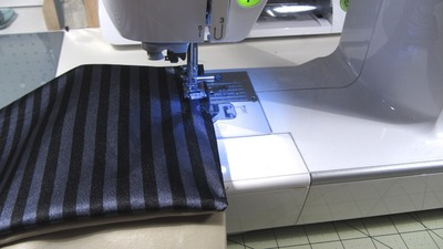 How to sew a bow clutch. Bow Clutch - Step 9