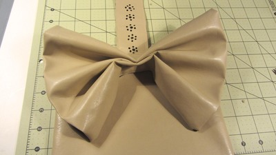 How to sew a bow clutch. Bow Clutch - Step 18
