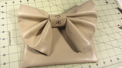 How to sew a bow clutch. Bow Clutch - Step 20