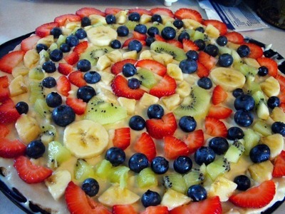 How to bake a dessert pizza. Fruit Pizza - Step 5