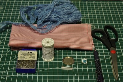 How to make a ribbon brooch. Diy Button Brooch  - Step 1