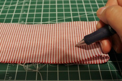 How to make a ribbon brooch. Diy Button Brooch  - Step 6