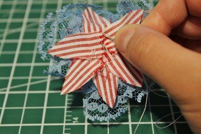 How to make a ribbon brooch. Diy Button Brooch  - Step 10