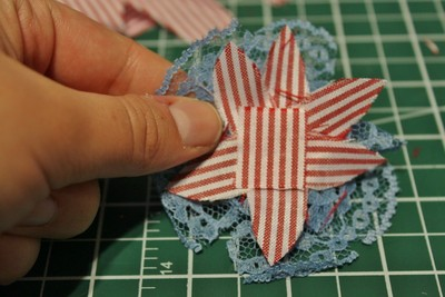 How to make a ribbon brooch. Diy Button Brooch  - Step 11