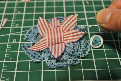 How to make a ribbon brooch. Diy Button Brooch  - Step 12