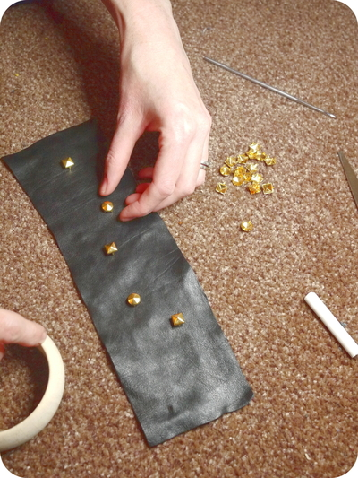 How to make a cuff. Leather And Stud Bangle - Step 3