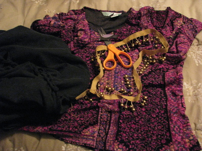 How to make a t-shirt scarf. Shirt To Purse! - Step 2