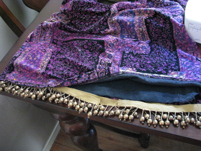 How to make a t-shirt scarf. Shirt To Purse! - Step 6
