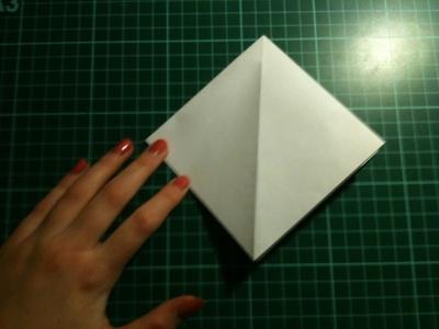 How to fold an origami crane. Origami Crane - Step 5