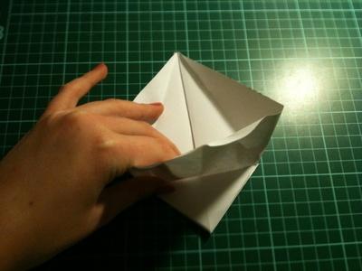 How to fold an origami crane. Origami Crane - Step 10