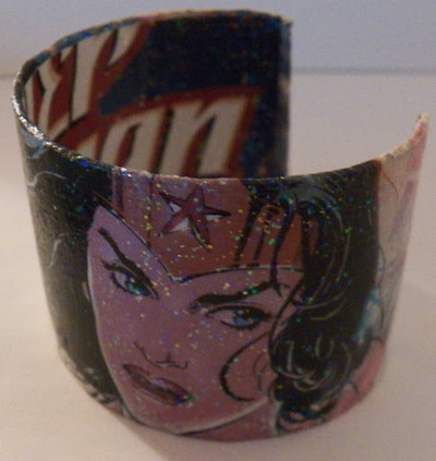How to make a paper bracelet. Comic Book Cuff Bracelet - Step 5