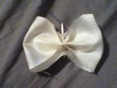 How to make a hair bow. Bloody Cleaver Bow - Step 3