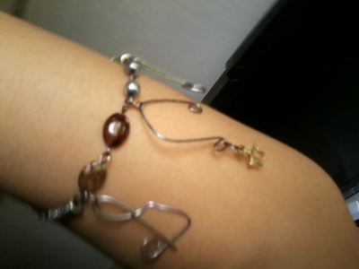 How to make a wire bracelet. Musical  Bracelet From Wires - Step 3