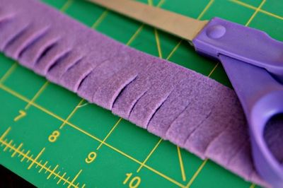 How to make a gift bow. Reusable Felt Gift Bow Or Hair Accessory  - Step 2