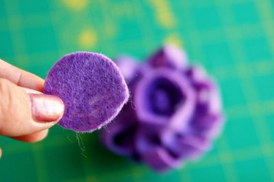 How to make a gift bow. Reusable Felt Gift Bow Or Hair Accessory  - Step 4