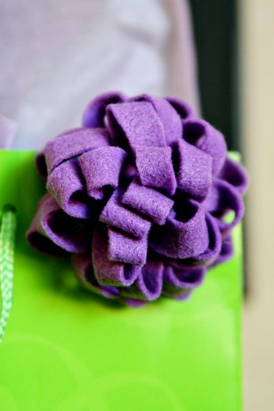 How to make a gift bow. Reusable Felt Gift Bow Or Hair Accessory  - Step 6