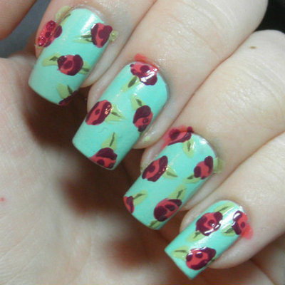 How to paint patterned nail art. Retro Roses Nail Art - Step 4