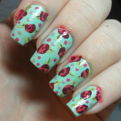 How to paint patterned nail art. Retro Roses Nail Art - Step 5
