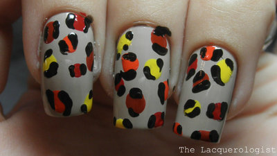 How to paint an animal nail. Leopard Nail Art - Step 3