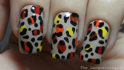 How to paint an animal nail. Leopard Nail Art - Step 4